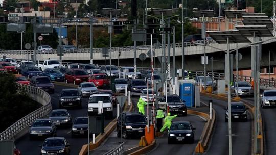 Những thành phố tắc nghẽn giao thông kinh hoàng nhất thế giới - Ảnh 6.