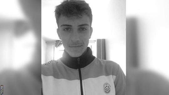 Hậu vệ người Pháp đột tử ở tuổi 18 - Ảnh 1.