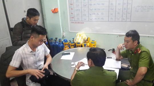 Chủ tịch Đà Nẵng yêu cầu công an xác minh việc phóng viên bị hành hung - Ảnh 2.