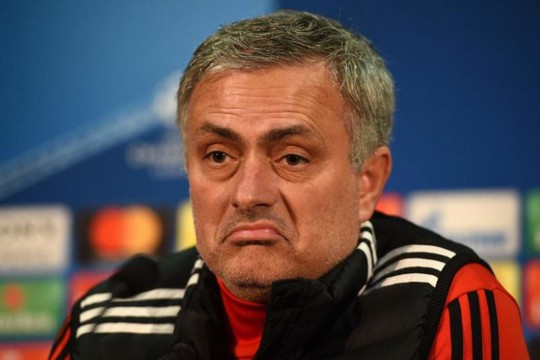 Mourinho khẩu chiến Frank de Boer vì Rashford - Ảnh 1.