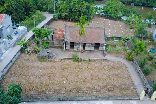Bí ẩn về ngôi nhà Bá Kiến hơn 100 năm tuổi ở làng Vũ Đại - Ảnh 1.