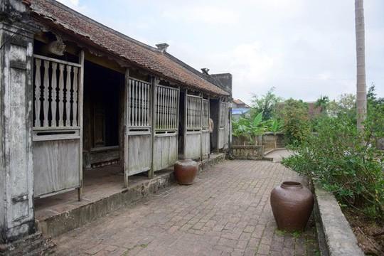 Bí ẩn về ngôi nhà Bá Kiến hơn 100 năm tuổi ở làng Vũ Đại - Ảnh 3.