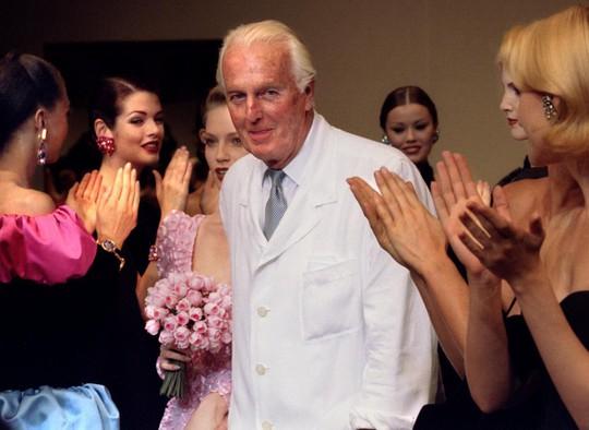 Thương tiếc nhà thiết kế lẫy lừng nước Pháp Givenchy - Ảnh 1.