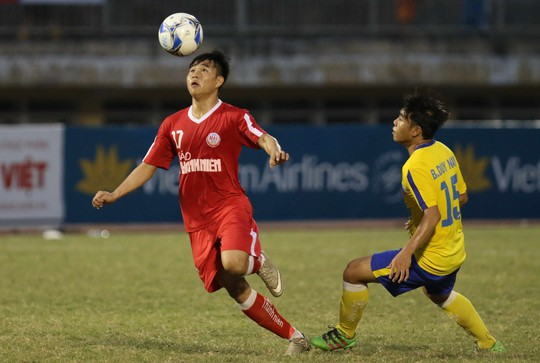 HLV Bùi Văn Đông: U19 Đồng Tháp xứng đáng vào chung kết bằng ý chí và nghị lực - Ảnh 3.