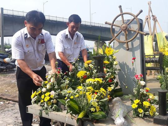 Xúc động lễ tri ân 64 anh hùng liệt sĩ giữ đảo Gạc Ma - Ảnh 4.