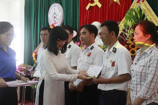 Xúc động lễ tri ân 64 anh hùng liệt sĩ giữ đảo Gạc Ma - Ảnh 6.