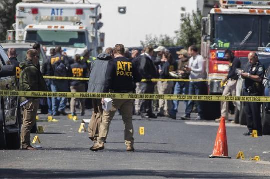 Mỹ: Texas hoảng loạn vì hàng loạt vụ bom cài trong gói hàng - Ảnh 2.