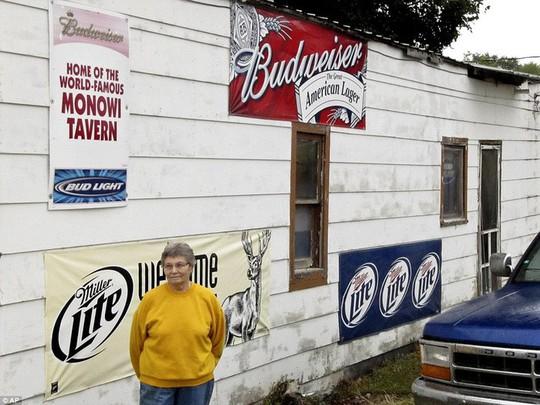 Thăm thị trấn nhỏ nhất nước Mỹ chỉ với một công dân - Ảnh 1.