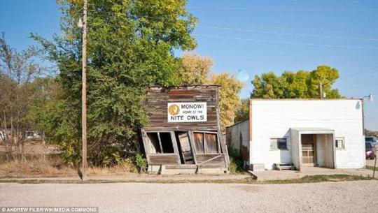 Thăm thị trấn nhỏ nhất nước Mỹ chỉ với một công dân - Ảnh 4.