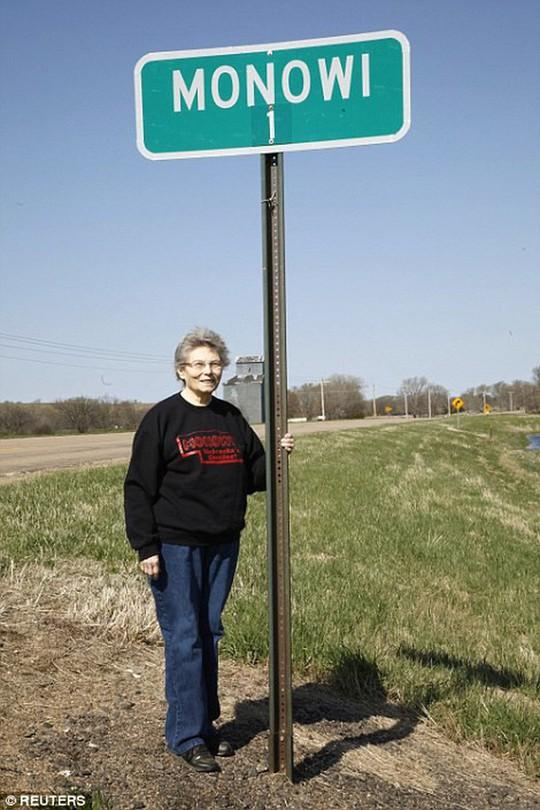 Thăm thị trấn nhỏ nhất nước Mỹ chỉ với một công dân - Ảnh 5.