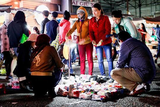 Chợ đêm Đà Lạt: Những bất cập khiến du khách nản lòng - Ảnh 2.