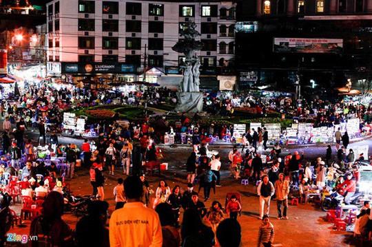 Chợ đêm Đà Lạt: Những bất cập khiến du khách nản lòng - Ảnh 3.