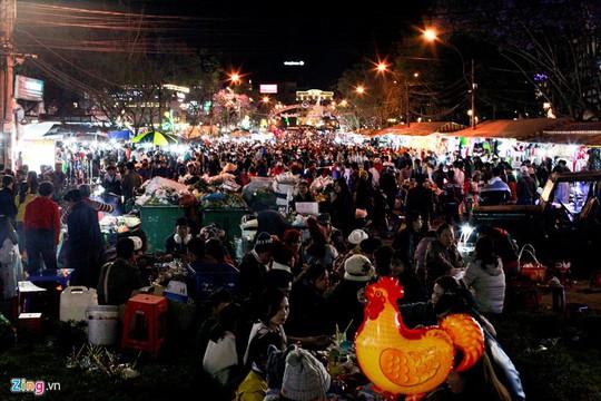 Chợ đêm Đà Lạt: Những bất cập khiến du khách nản lòng - Ảnh 5.
