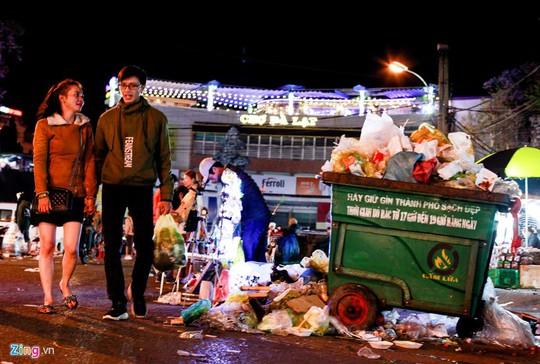 Chợ đêm Đà Lạt: Những bất cập khiến du khách nản lòng - Ảnh 10.