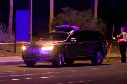 Mới thử nghiệm, xe tự lái của Uber tông chết người đi đường - Ảnh 2.