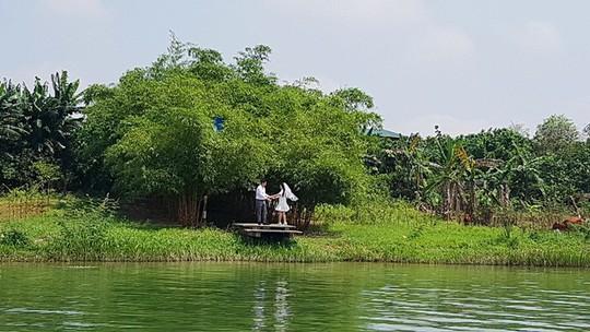 Ngắm cảnh đẹp miên man dòng sông Hương từ thuyền rồng - Ảnh 17.