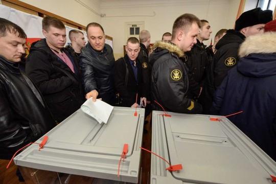 Vụ cựu điệp viên Nga bị đầu độc khiến người ủng hộ ông Putin đoàn kết - Ảnh 2.