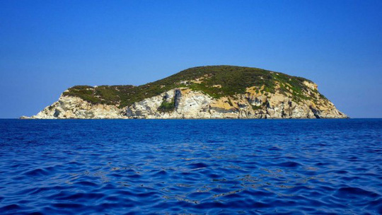 Hòn đảo thác loạn, chơi bời trác táng của quý tộc Ý - Ảnh 1.