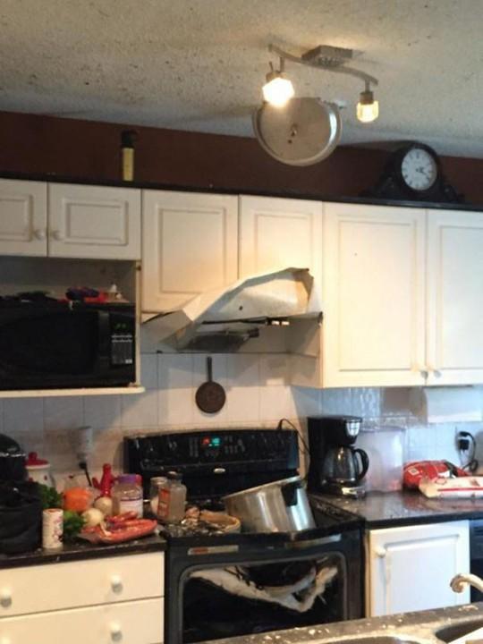 Cười lăn với tác phẩm làm bếp của những người vụng về - Ảnh 4.