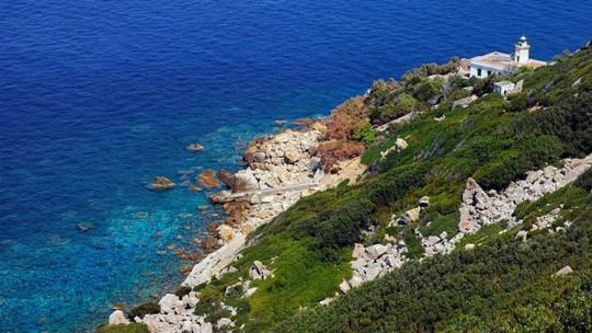 Hòn đảo thác loạn, chơi bời trác táng của quý tộc Ý - Ảnh 5.