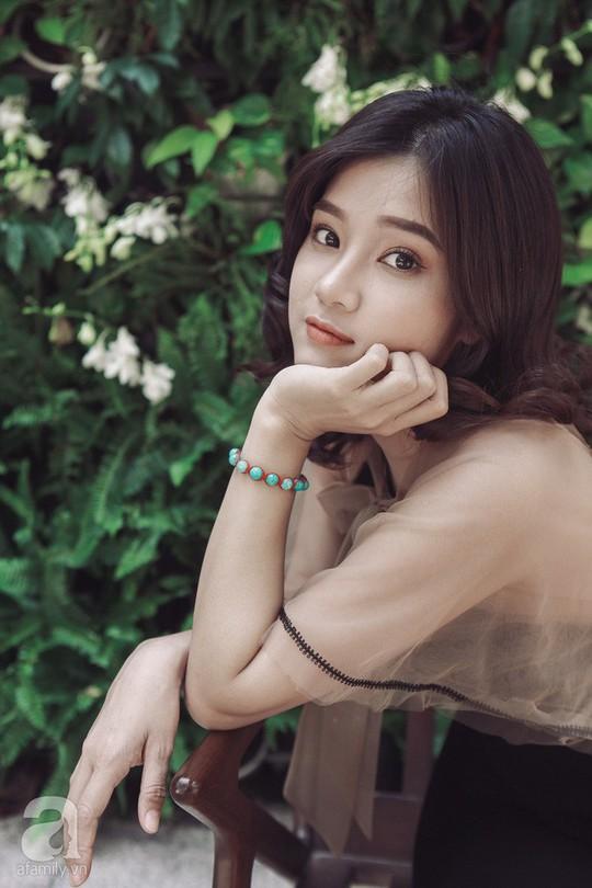 Hoàng Yến Chibi: Tôi sợ chị Hồng Ánh mỗi khi diễn sai - Ảnh 6.