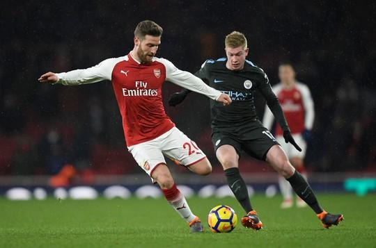 Man City tiếp tục cho Arsenal ăn hành - Ảnh 1.