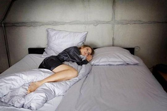 Muôn nỗi chuyện vợ chồng ngủ riêng - Ảnh 1.