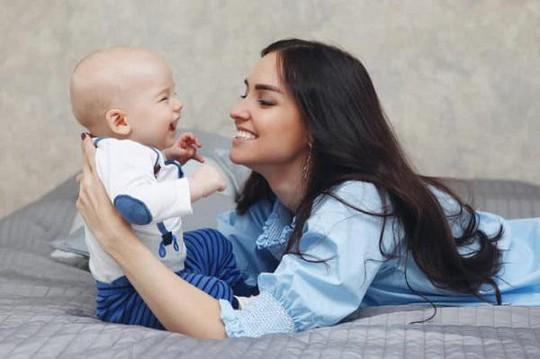 Tuyệt chiêu dạy trẻ sơ sinh nhanh biết nói - Ảnh 2.