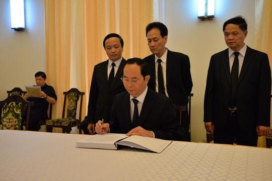 Lãnh đạo Đảng, Chính phủ, Quốc hội viếng nguyên Thủ tướng Phan Văn Khải - Ảnh 4.