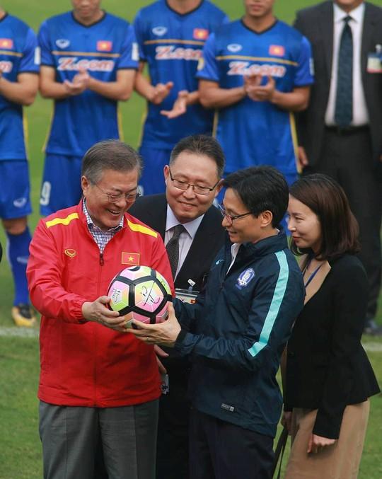 Tổng thống Hàn Quốc: Nếu không có bão tuyết, chắc chắn U23 Việt Nam đã vô địch - Ảnh 1.