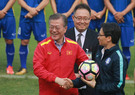 Tổng thống Hàn Quốc: Nếu không có bão tuyết, chắc chắn U23 Việt Nam đã vô địch - Ảnh 10.