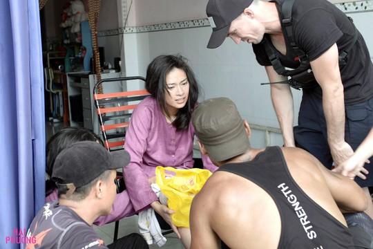 Ngô Thanh Vân té nứt xương đầu gối trên trường quay - Ảnh 5.