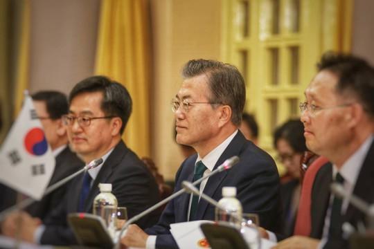 Cận cảnh lễ đón Tổng thống Hàn Quốc Moon Jae In - Ảnh 7.