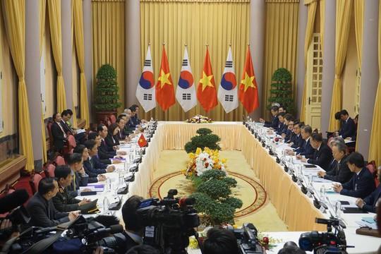 Cận cảnh lễ đón Tổng thống Hàn Quốc Moon Jae In - Ảnh 6.