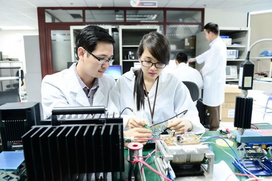 Tăng 4 hạng, Viettel lọt Top 3 môi trường làm việc tốt nhất Việt Nam - Ảnh 2.