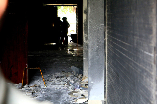Ám ảnh trở lại chung cư Carina sau vụ cháy 13 người chết - Ảnh 3.