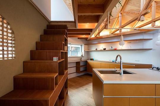 Nhà 2 tầng gây xôn xao giới kiến trúc vì thiết kế... lạ - Ảnh 12.