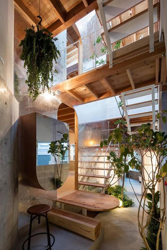 Nhà 2 tầng gây xôn xao giới kiến trúc vì thiết kế... lạ - Ảnh 7.