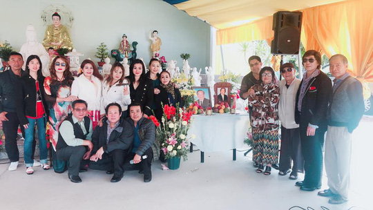 NSND Le Thuy khoc muon Van Chung