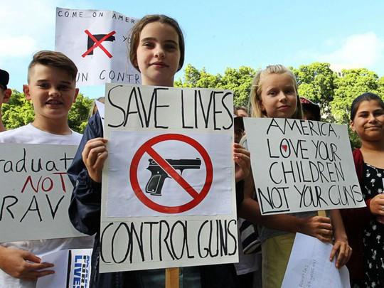 """Hàng trăm ngàn người """"biểu tình vì mạng sống"""", phản đối chính phủ Mỹ - Ảnh 5."""