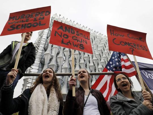 """Hàng trăm ngàn người """"biểu tình vì mạng sống"""", phản đối chính phủ Mỹ - Ảnh 6."""
