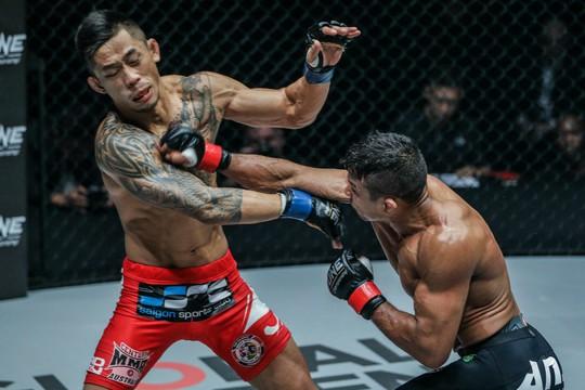 Martin Nguyễn lỡ chiếc cúp thứ 3 của MMA - Ảnh 2.