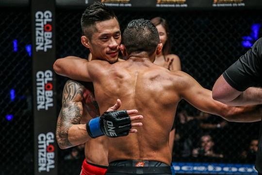 Martin Nguyễn lỡ chiếc cúp thứ 3 của MMA - Ảnh 4.