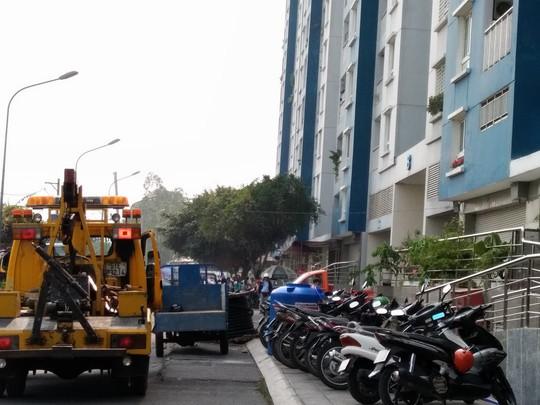 Cháy chung cư Carina: Tạm đình chỉ Phó Trưởng Phòng Cảnh sát PCCC quận 8 - Ảnh 1.