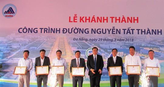Đà Nẵng: Khánh thành tuyến đường Nguyễn Tất Thành nối dài - Ảnh 4.