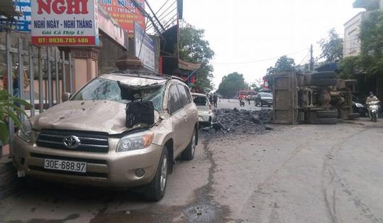 Tài xế bẻ lái cứu 2 nữ sinh: Chủ xe Toyota để giám định thiệt hại là đẩy tôi vào chỗ chết - Ảnh 1.