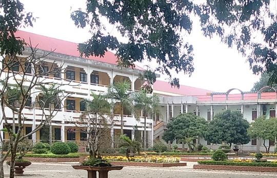 Vụ cho học sinh THPT nghỉ học: Nhà trường có đi Yên Tử - Ảnh 1.