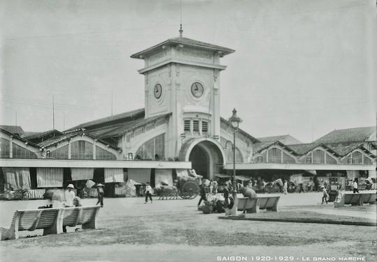Chợ Bến Thành hơn 90 năm trước, khi xe máy chưa xuất hiện - Ảnh 10.