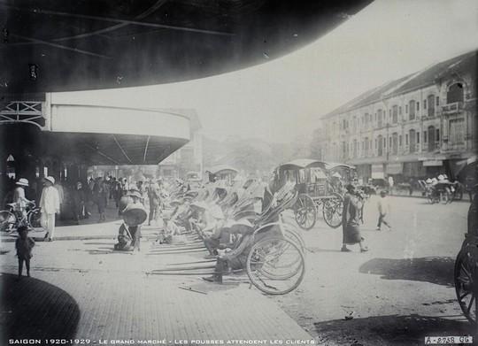 Chợ Bến Thành hơn 90 năm trước, khi xe máy chưa xuất hiện - Ảnh 4.