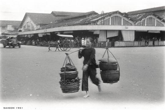 Chợ Bến Thành hơn 90 năm trước, khi xe máy chưa xuất hiện - Ảnh 9.